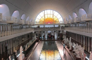 The importance and history of lille 39 s culture for Piscine lille