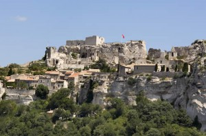 Les Baux in its picturesque setting